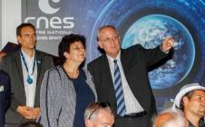 Frédérique Vidal, Ministre de l'Enseignement supérieur, de la Recherche et de l'Innovation, visite le Pavillon du CNES en présence du Conseil de l'ESA