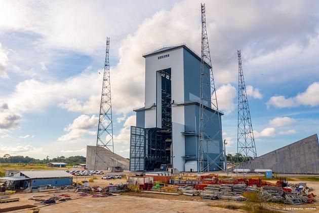 Le portique mobile d'Ariane 6.